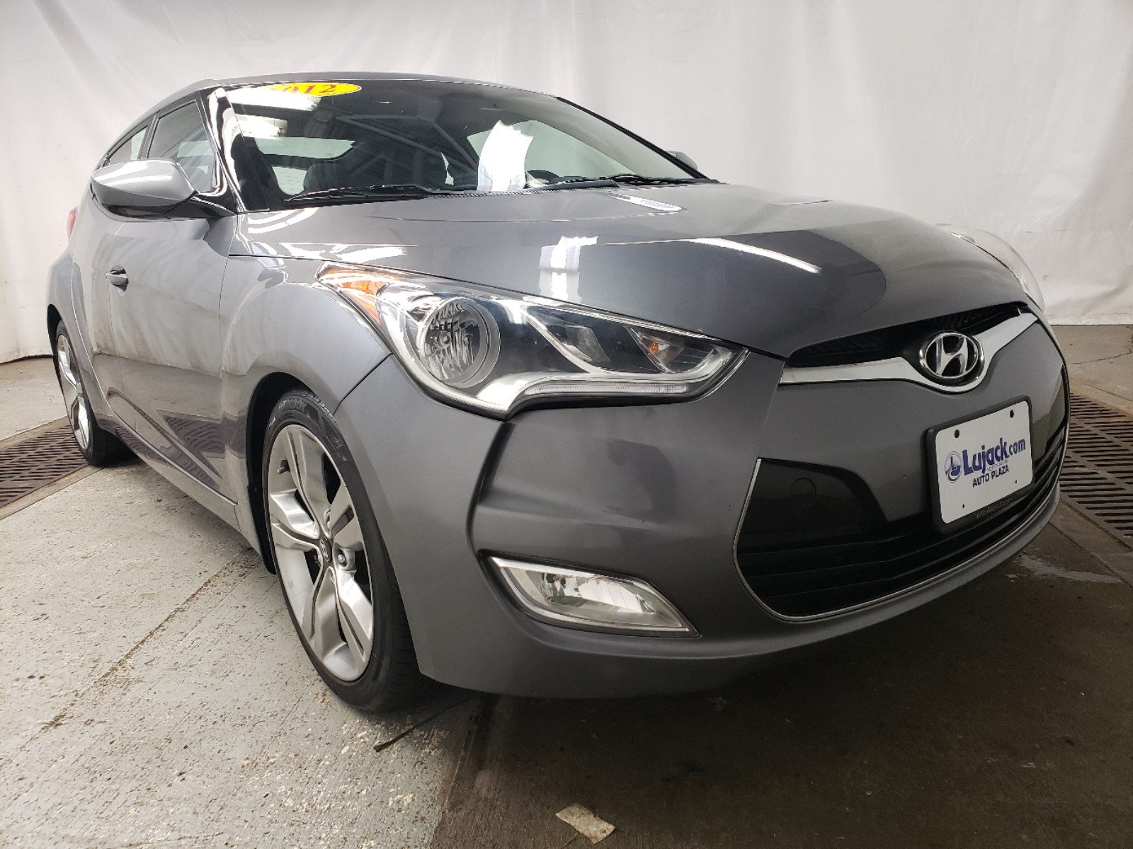Pre-Owned 2012 Hyundai Veloster w/Black Int With Navigation