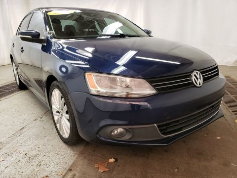 Pre-Owned 2011 Volkswagen Jetta Sedan SEL